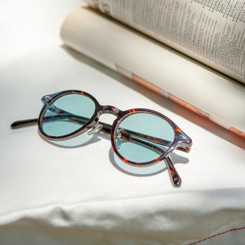 GLASSES WITH COLOR LENS TORTOISE/BLUE